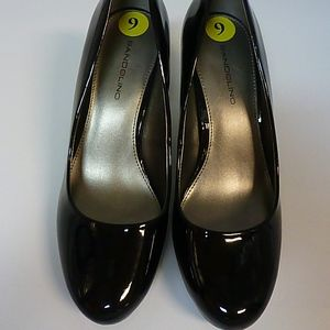 BLACK HIGH HEEL SHOES SZ 9 NEW